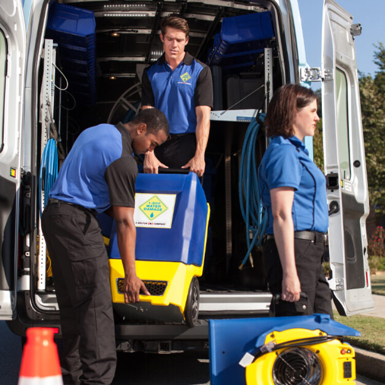 1800 Service techs with equipment
